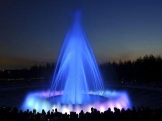 モエレ沼公園噴水(夜)